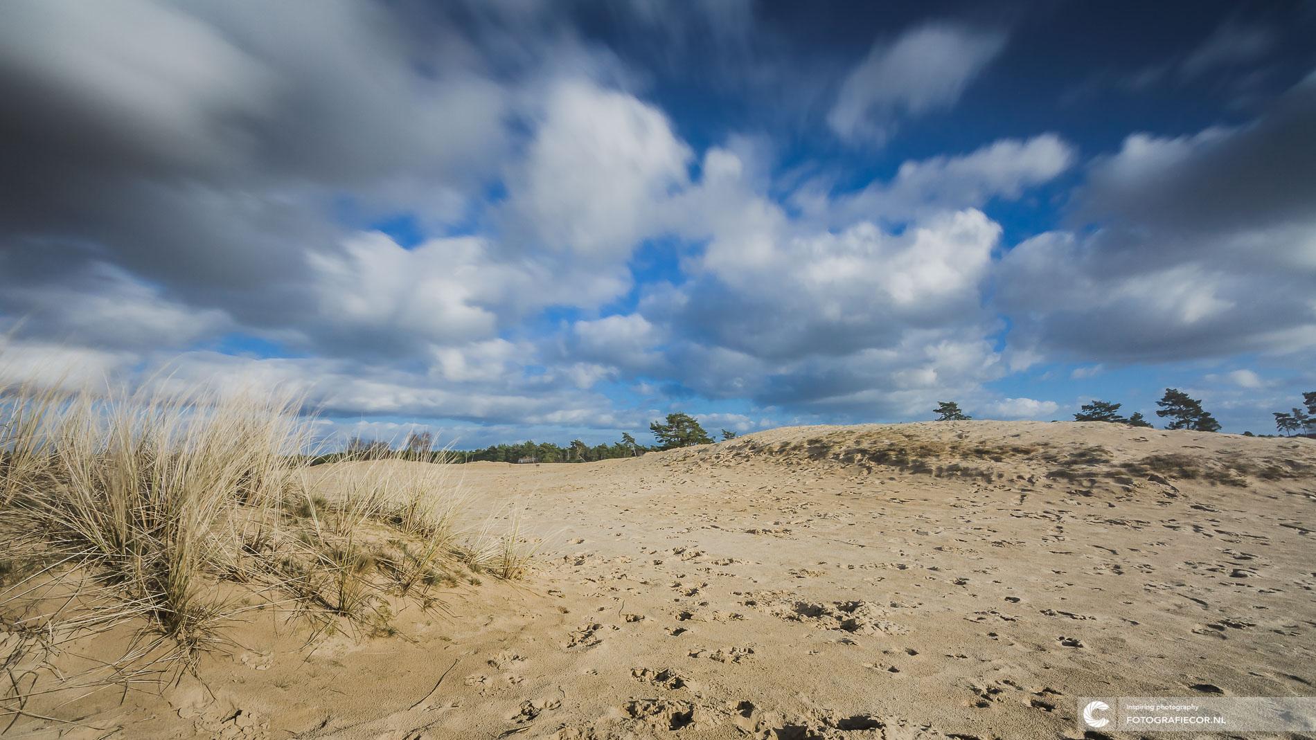 witte razende wolken Hollandse landschappen | Landschapsfotograaf