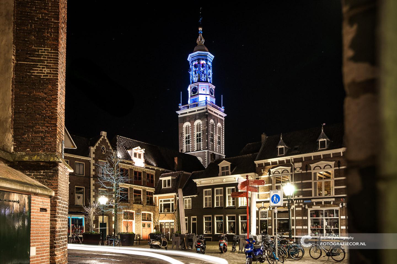 Avond fotografie met nacht foto van Nieuwe Toren | bezienswaardigheden gemeente Kampen - De Hanze | fotograaf gezocht foto's maken