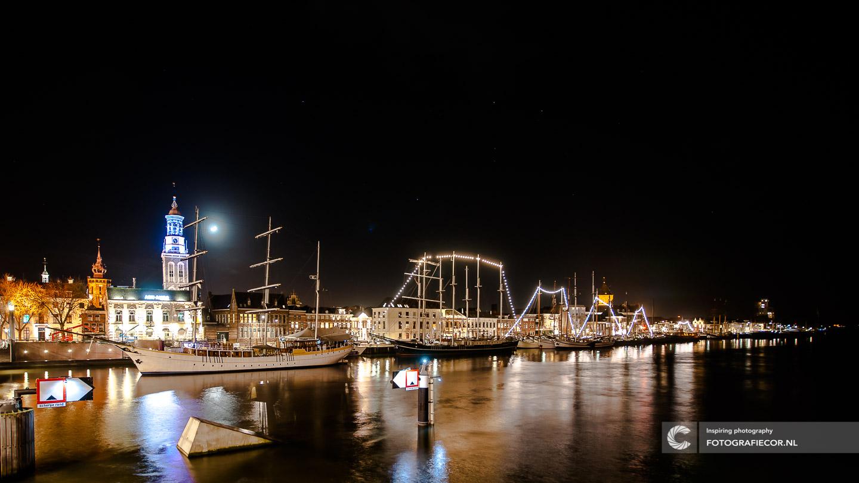 Avond fotografie met nacht foto van Kampen aan de IJssel - hanzesteden| fotograaf gezocht foto's maken