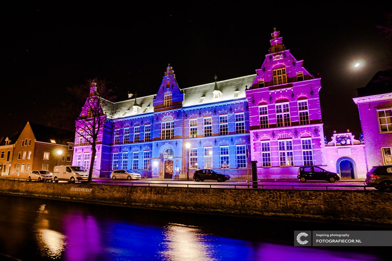 Foto hanzesteden | Verlichte gebouwen Quintus gemeente Kampen | Burgwal avondfotografie | fotograaf gezocht voor foto's maken