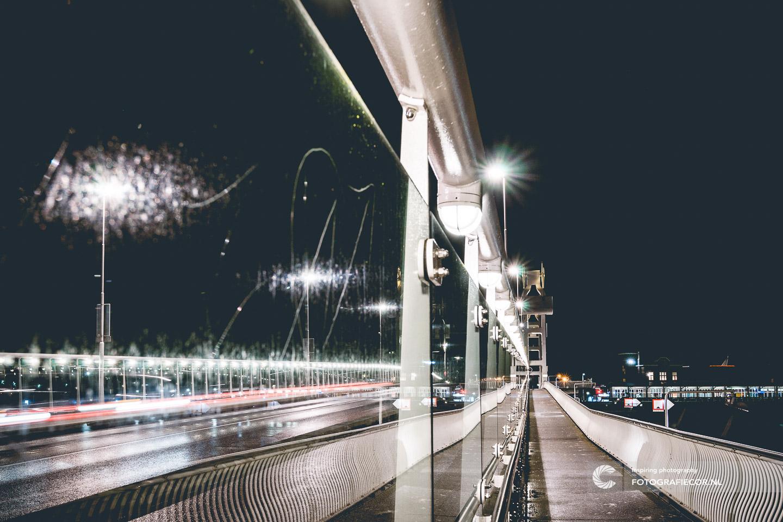 Avond fotografie met nacht foto van stadsbrug in Kampen aan de IJssel - hanzesteden | fotograaf gezocht voor foto's maken