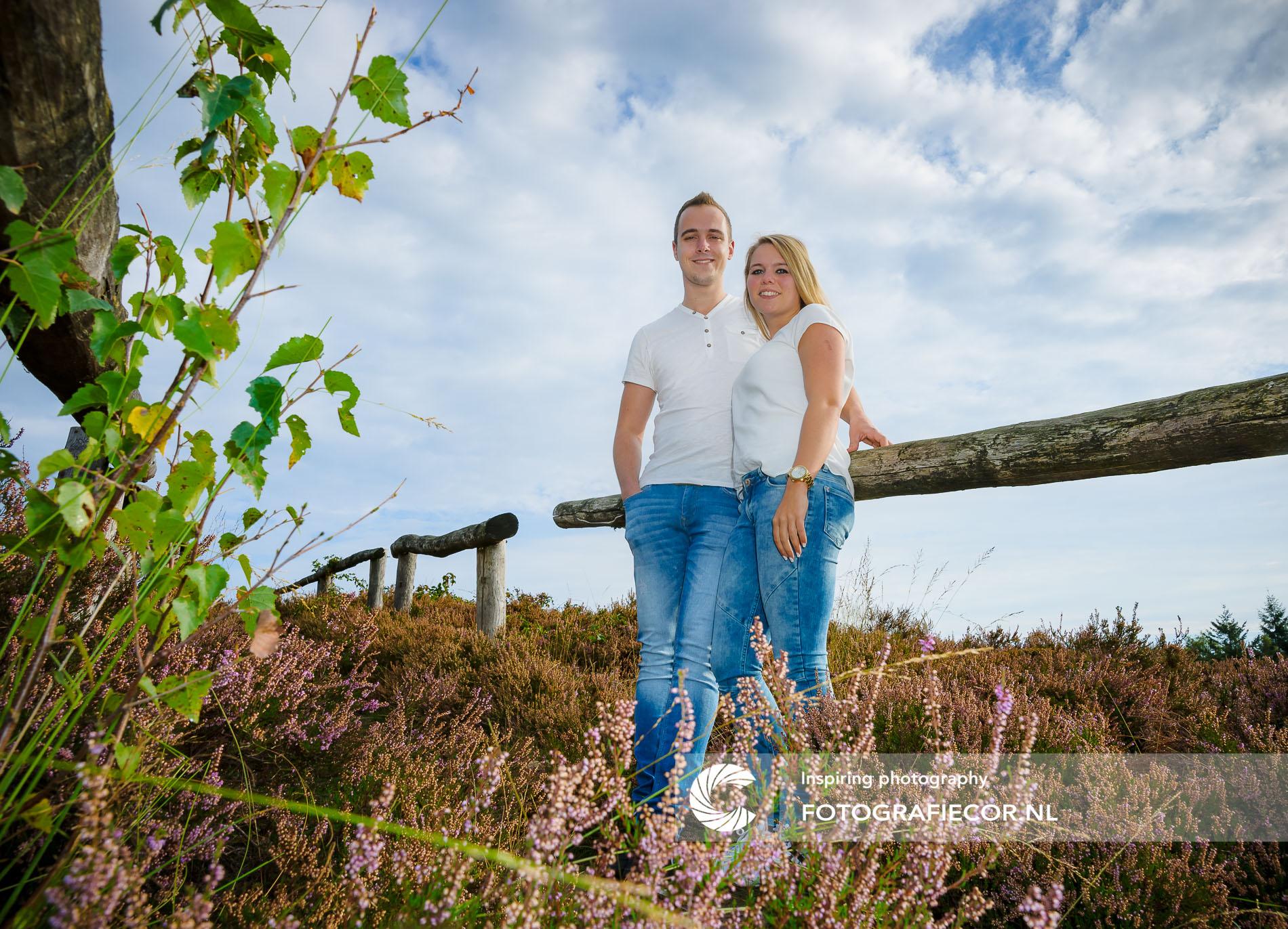 Familiefoto laten maken | Familie | Heidelandschap bij Heerderstrand | gezinsfoto maken