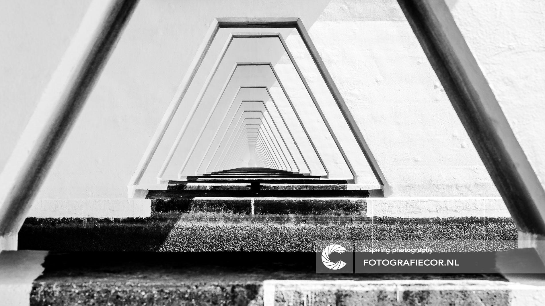 Bronvermelding | Repeterend kolommen | Zeelandbrug-Zeeland-Holland | architectuurfotograaf