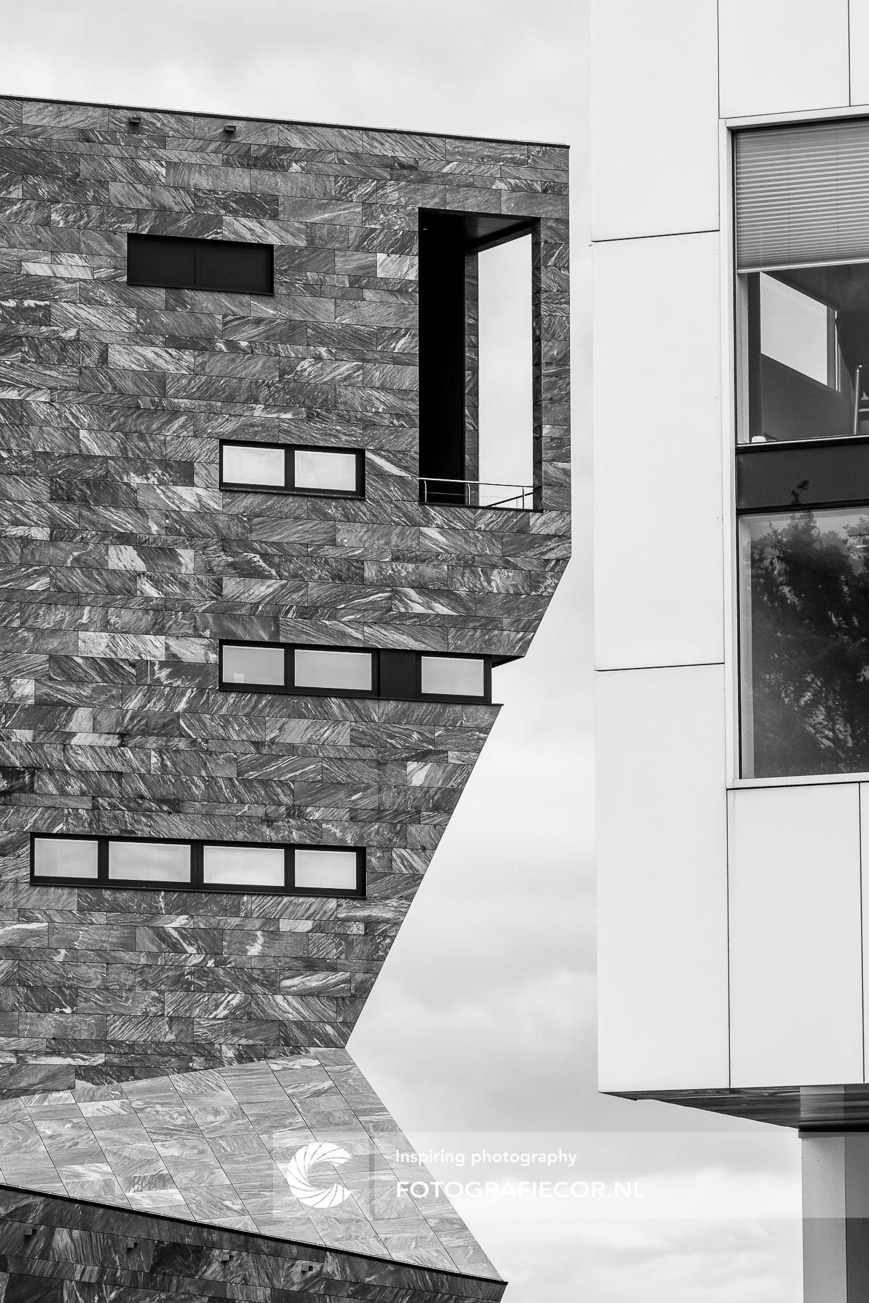 Futuristische architectuur bankkantoor | architectuurfotograaf