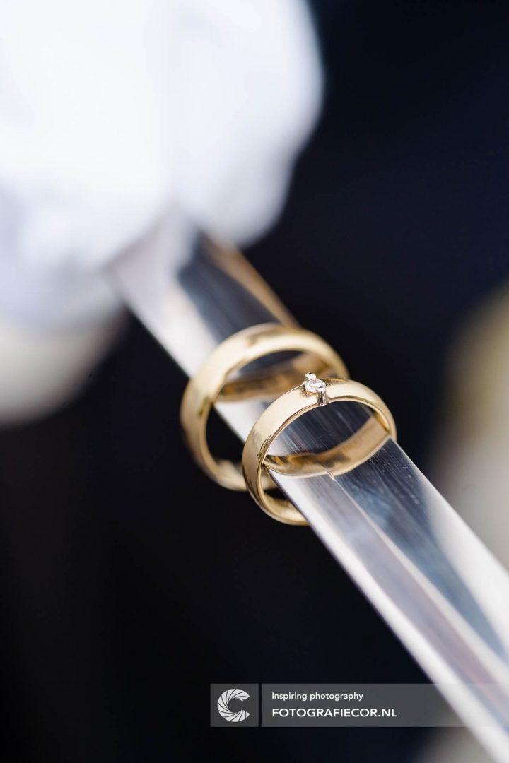 trouwfoto | ringen | trouwreportage | huwelijk | fotograaf | foto | locatie | Trouwen