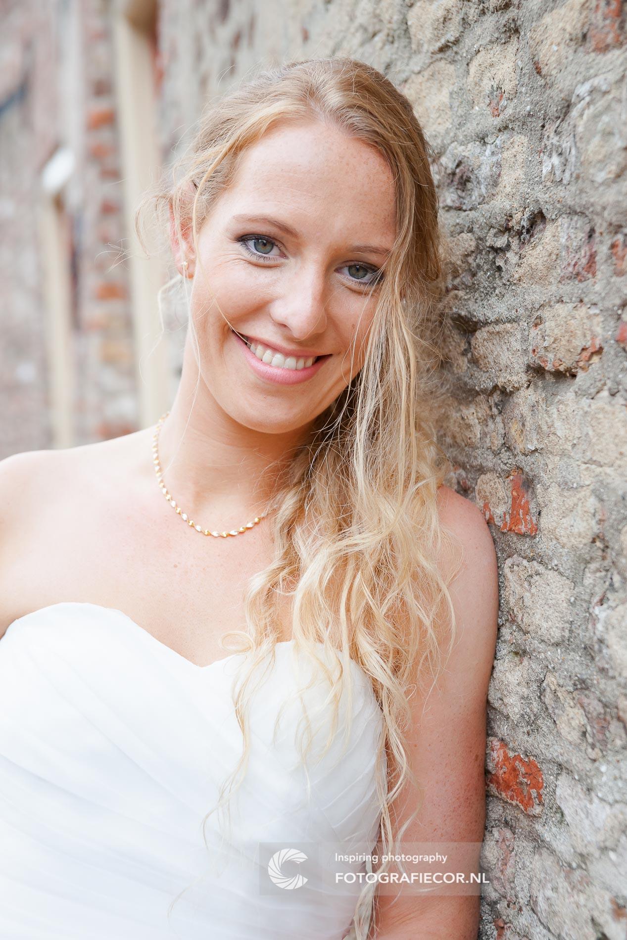 Trouwfotograaf | Stralende bruidsfotografie fotoshoot huwelijk | bruidsfotograaf Kampen Zwolle IJsselmuiden| fotografie voor de mooiste dag