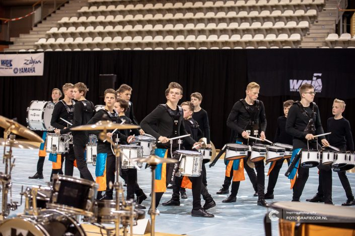 Slagwerkgroep Jong Kamper Trompetter Korps Indoor percussion | Eventfotografie Kampen - Nederland