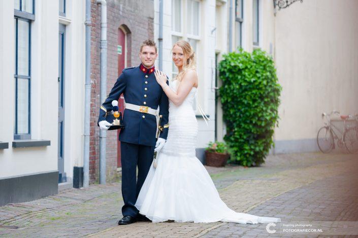 trouwfoto | reportage | trouwen | huwelijk | militair | bruidspaar | kampen | keizerskwartier