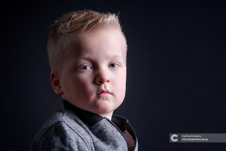 Portret | Fotograaf | Rembrandt | licht |studio | kind | Portfolio | Kampen | profiel | project