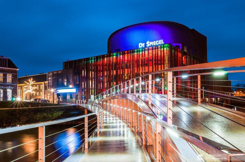 Lange sluitertijd, workshop Nachtfotografie Zwolle | Portfolio | Long Exposure | fotografie | lange sluitertijden | De spiegel | Zwolle | avondfotografie | nachtfotografie | Fotografie workshop | theater zwolle | cursus | workshop