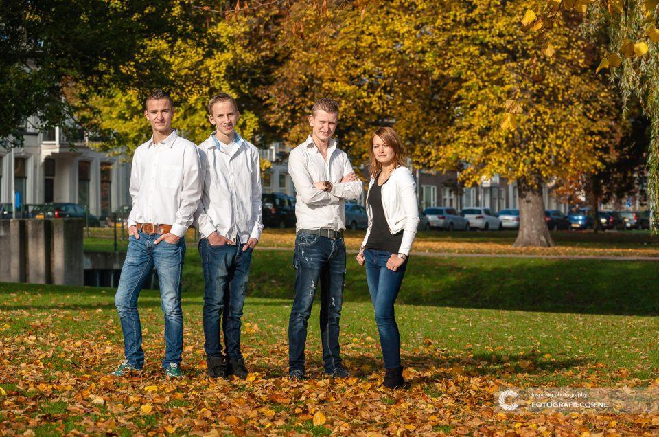 Gezinsfoto maken in stadspark Kampen tijdens de Herfst