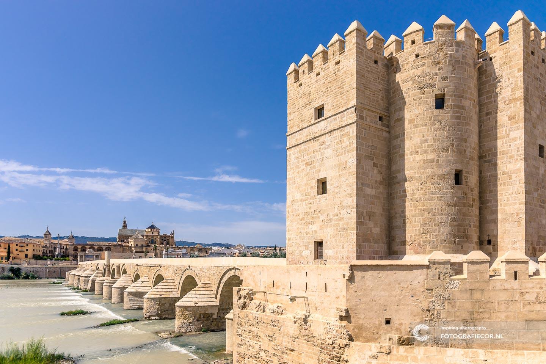 Torre de la Calahorra   Andalucia spanje   Andalusie   bezienswaardigheden   Cordoba   mezquita   córdoba spanje bezienswaardigheden   puente romano cordoba   reizen spanje   roman bridge of córdoba   rondreis spanje   rondreizen spanje   stedentrip   zuiden van spanje