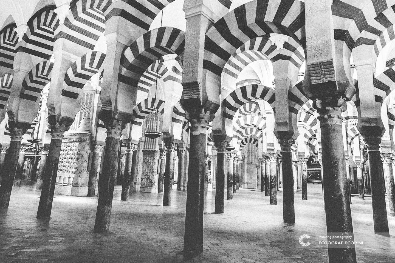 Andalucia Spanje   Andalusie   bezienswaardigheden   Cordoba   mezquita   córdoba   reizen Spanje   rondreis Spanje   rondreizen Spanje   stedentrip   zuiden van Spanje   Architectuur   Mooren   moskee   Zuilen