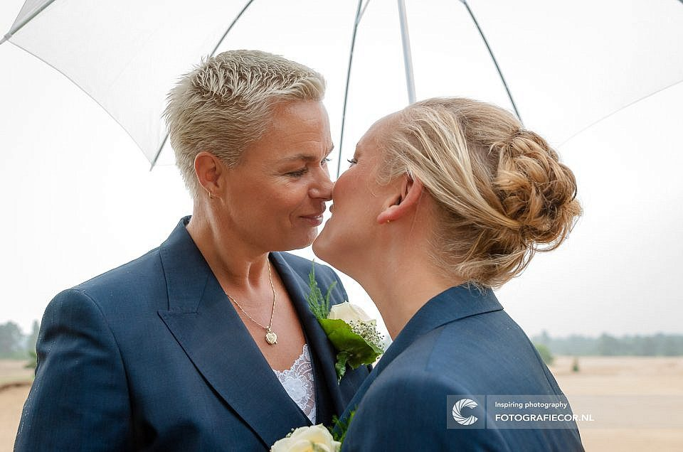 Trouwen | bruidsfotograaf | fotoshoot | Kampen | zandverstuiving | Veluwe | reportage | Homo | lesbisch | Zwolle