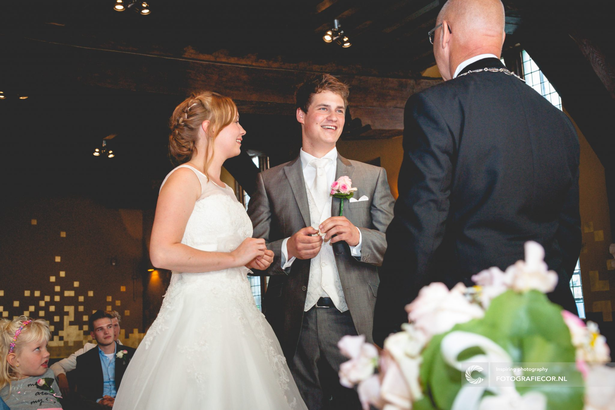 Trouwen | Kampen | Fotograaf | huwelijk | bruiloft | stadhuis | gouden zaal | Bruidsfotograaf | Trouwfotograaf