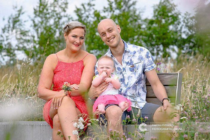 Fotoshoot | gezin | foto | familiefoto | fotograaf | Kampen | Emmeloord | vrolijk | Wellerwaard