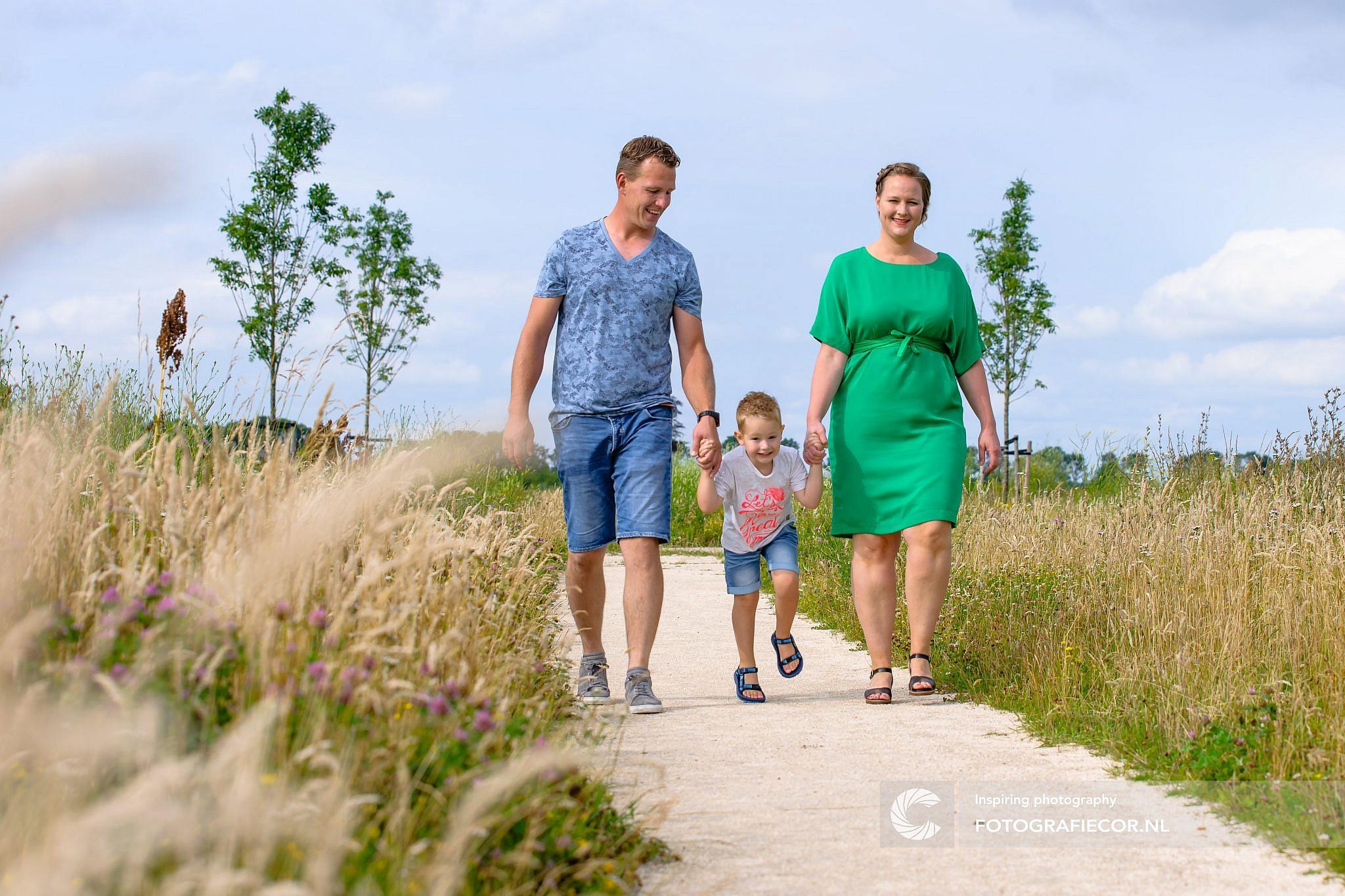 Fotoshoot | gezin | foto | familiefoto | fotograaf | Kampen | Emmeloord | kinderen | natuurlijk licht