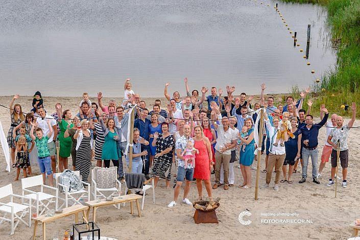fotoshoot-beach-party-huwelijk-emmeloord-fotograaf-wellerwaard