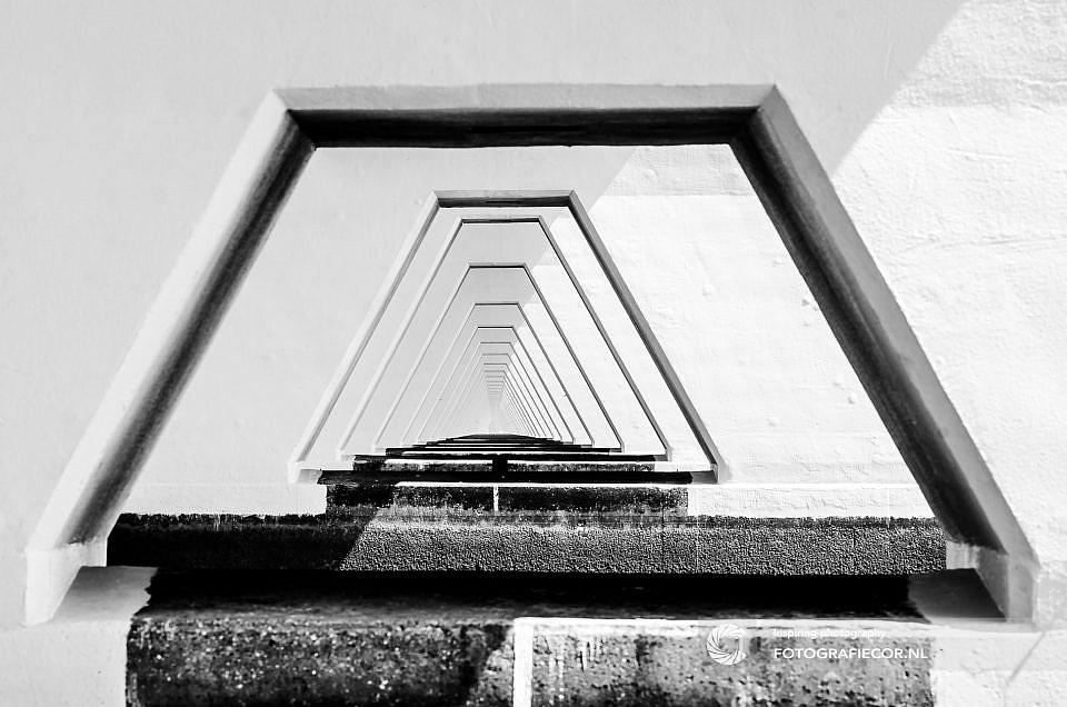 hyperfocale afstand |Bronvermelding | Repeterend kolommen | Zeelandbrug-Zeeland-Holland | architectuurfotograaf