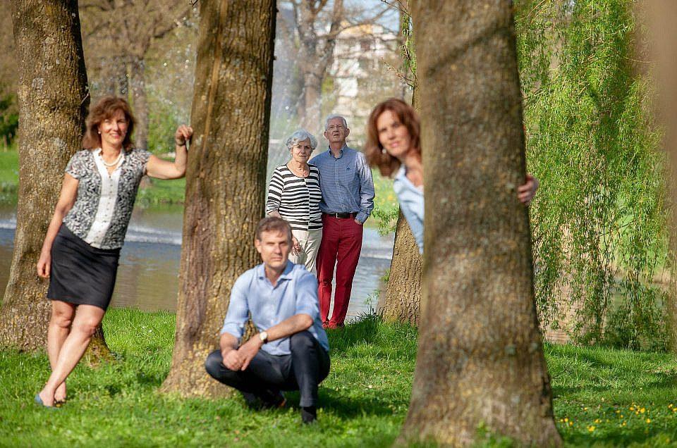 Leuke familie fotoshoot op locatie in woonwijk Kampen