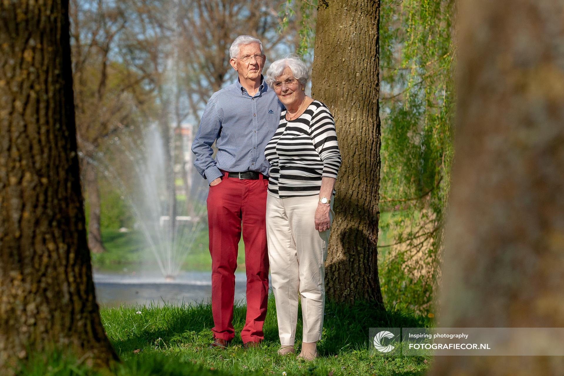 familie fotoshoot op locatie | portretfotografie | opa & oma | familiefoto | fotograaf Kampen