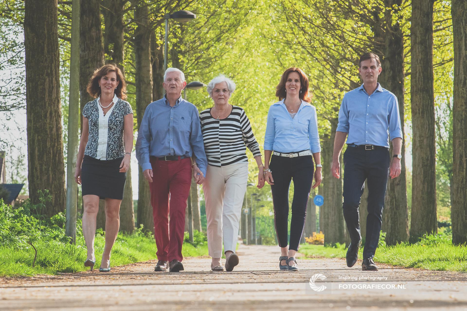 Gezin | Familie | portretfotografie | wandelen | fotograaf | Kampen | shoot | fotoshoot familie | familie fotoshoot op locatie