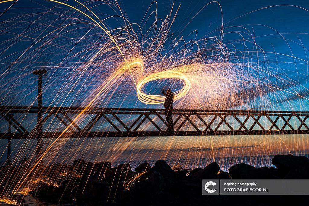 Lightpainting met staalwol in Dronten, IJsselmeer